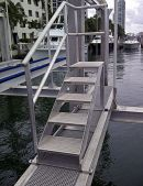 ACCESORIU GOLDENBOATLIFTS 2016 CUSTOM WALKWAYS AND STEPS